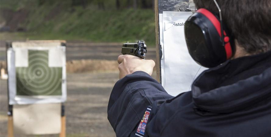 Sparare-Con-Pistola